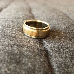 Two Toned 14K Gold Wedding Band Size 5